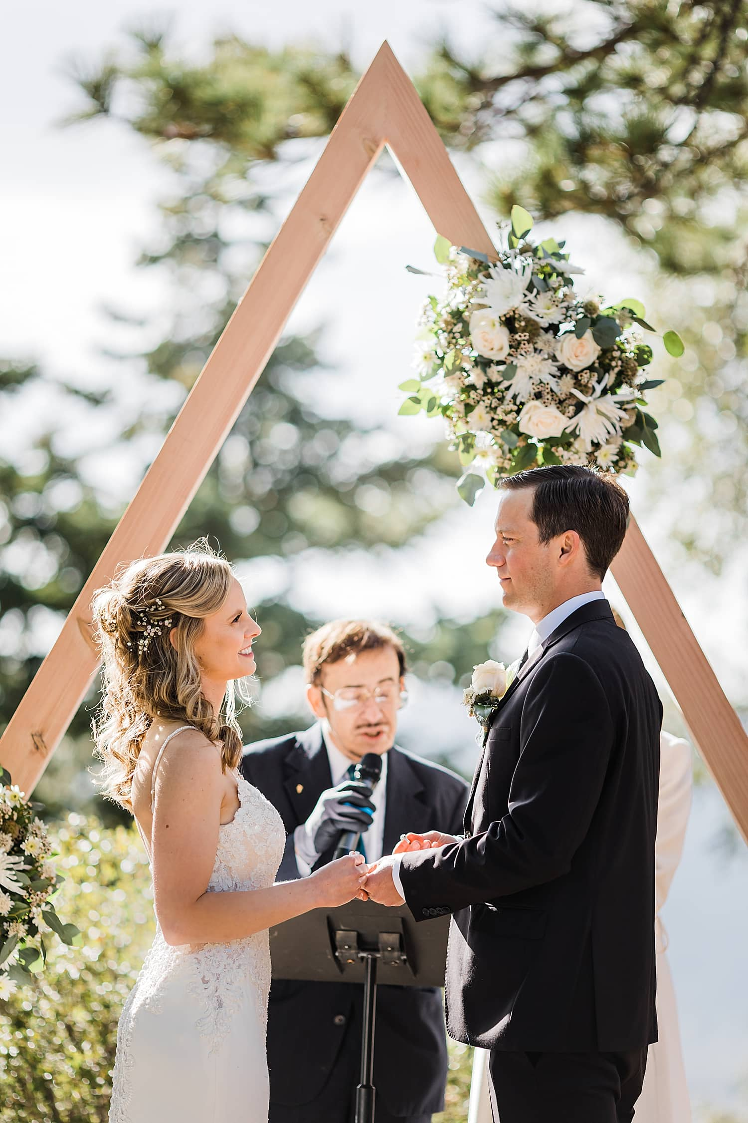 Idyllwild-wedding-elopement-mountain-wedding-pine-cove-southern-california-adventure-wedding-adventure-elopement